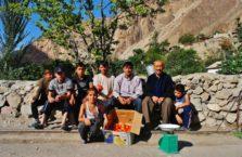 Tadżykistan - z ludźmi ze wsi z którymi zbierałem pomidory.