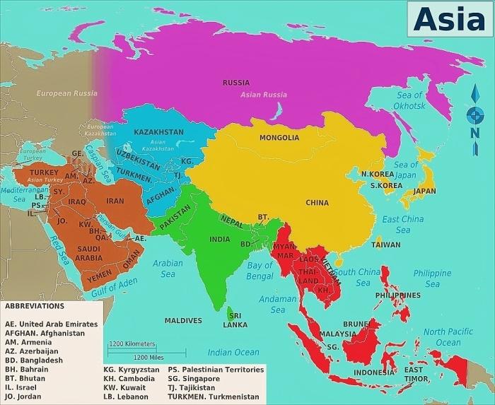 Mapa Azji z podziałem na regiony.