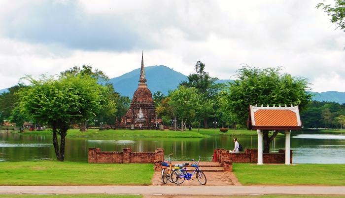W antycznych miastach Tajlandiii.