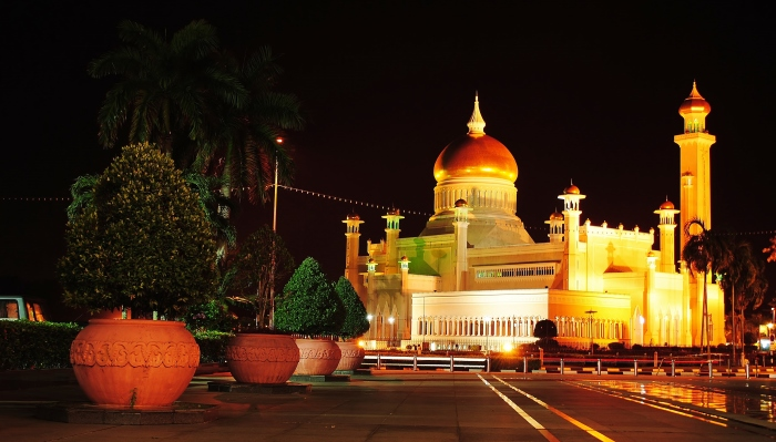 Meczet Omar Ali Saifuddien in Bandar Seri Begawan. The Sultanate of Brunei.