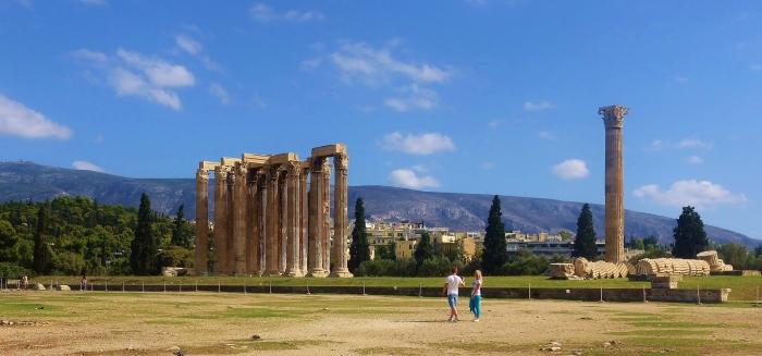 Ateny - ruiny Świątyni Zeusa.