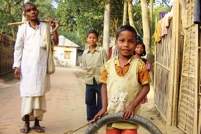 Niektóre wspomnienia zostają ze mną na zawsze dzięki spontanicznemu chwyceniu za aparat. Scena z wioski Srimangal w Bangladeszu.