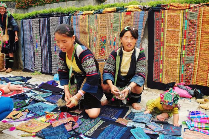 Starajcie się uchwycić chwilę z codziennego życia ludzi. Wietnam.