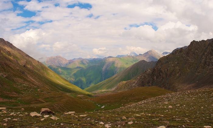 Jedna z wielu pięknych dolin Kirgistanu.
