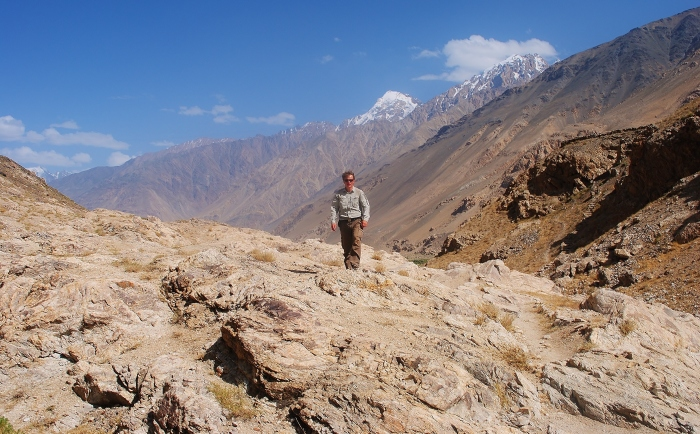 Moja wyprawa przez Dolinę Wachańską. W tle Afganistan.