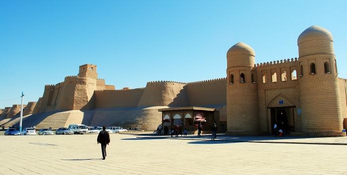 Khiva - antyczna architektura na pustyni Kyzyl Kum.