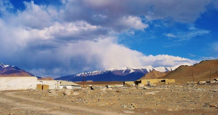 Tadżykistan - wioska Karakul.