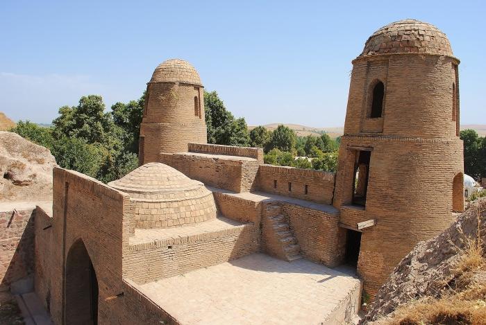 Tadżykistan - brama w Hissar.