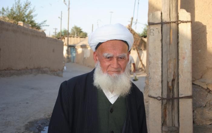 Tadżykistan - muzułmanin z Istarawszan.
