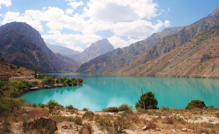 Tadżykistan - perła Gór Fańskich, jezioro Iskander Kul.