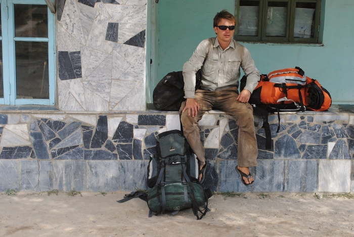 Żegnam piękny Tadżykistan i czekam na transport do Uzbekistanu.