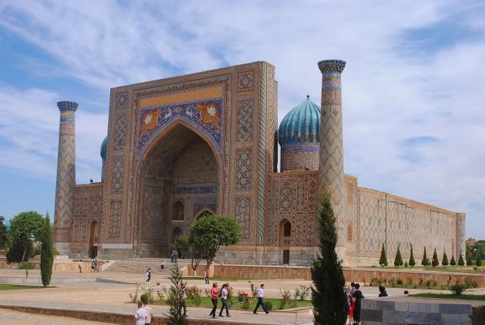 Uzbekistan - Samarkanda. Registan - perła antycznego Jedwabnego Szlaku.