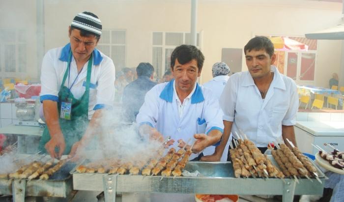 Szaszłyki w stolicy Uzbekistanu - Taszkient.