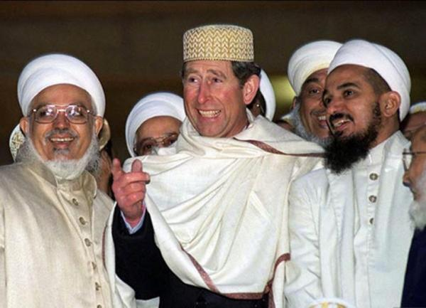 prince-charles-with-muslims1-e1418234353360