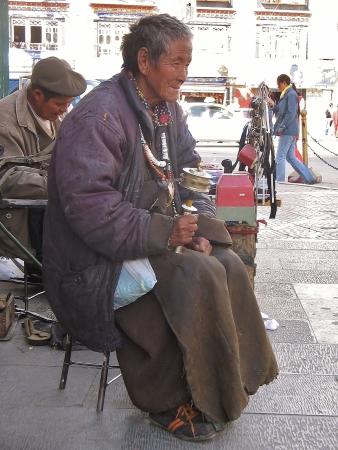 """O mane padme ho"" - tybetańska modlitwa."