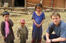 Nepal - z dziećmi.