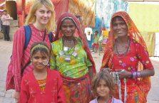 Indie -  różne kolory kobiet.