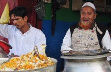 Indie - muzułmanin w garkuchni.