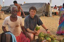 Indie - każdy posiłek od 5 roku życia można wyczytać na jego koszulce.