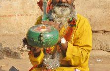 Indie - pomarańczowy Hindus.