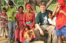 Nepal -  chcieli zdjęcie z Białym.