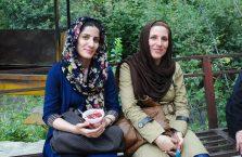 Iran - młode kobiety.