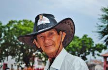 Malezja - mężczyzna w kapeluszu.