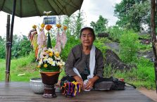 Laos - starsza kobieta.