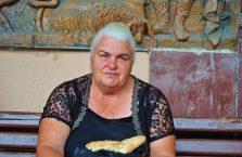 Gruzja - stara kobieta.