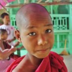 Birma - młody mnich.