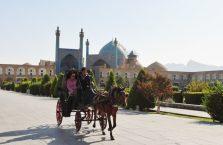 Iran - zaprzęg konny w Esfahan.