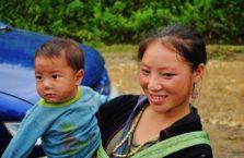 Wietnam - matka z dzieckiem.