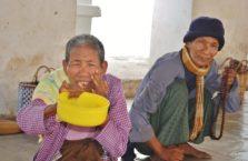 Birma - żebracy.