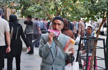 Iran - sprzedawca uliczny.