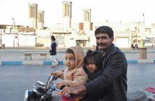 Iran - tata i jego dzieci.