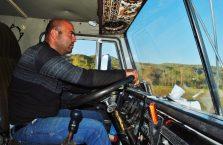 Górski Karabach - kierowca ciężarówki.