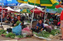 Laos - na bazarze.