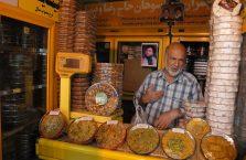 Iran - sprzedawca słodyczy.