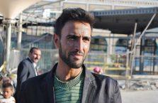 Iran - zamyślony człowiek.