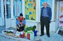 Górski Karabach - dziadek i babcia na bazarze.