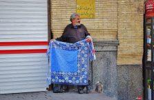 Iran - uliczny sprzedawca.