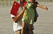 Chiny - dumny ojciec i jego syn.