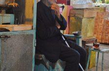 Iran - samotny dziadek.
