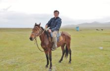 Kirgistan - na koniu.