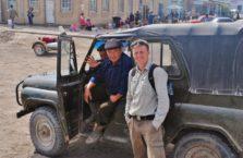 Uzbekistan - z kierowcą starego grata.