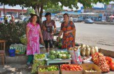 Kazachstan - kobiety na bazarze.