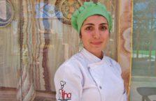 Turcja - dziewczyna pracująca w kuchni.