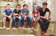 Iracki Kurdystan - jezidzi z Lalish.