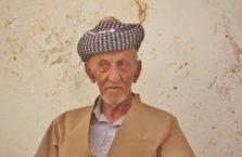 Iracki Kurdystan - stary kurdyjski mężczyzna.