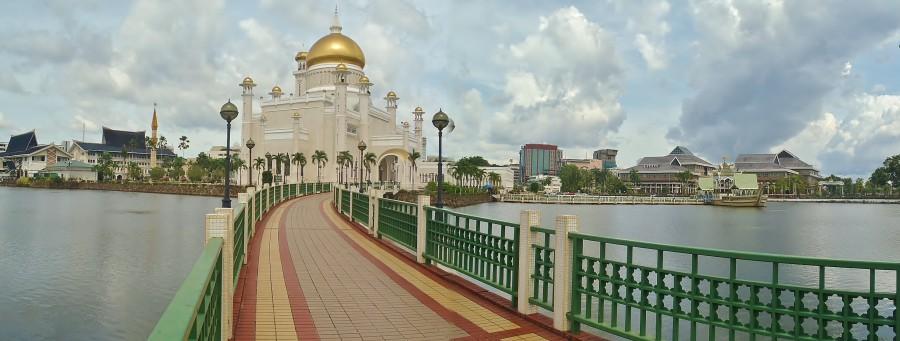 Brunei, Omar Ali Saifuddien.